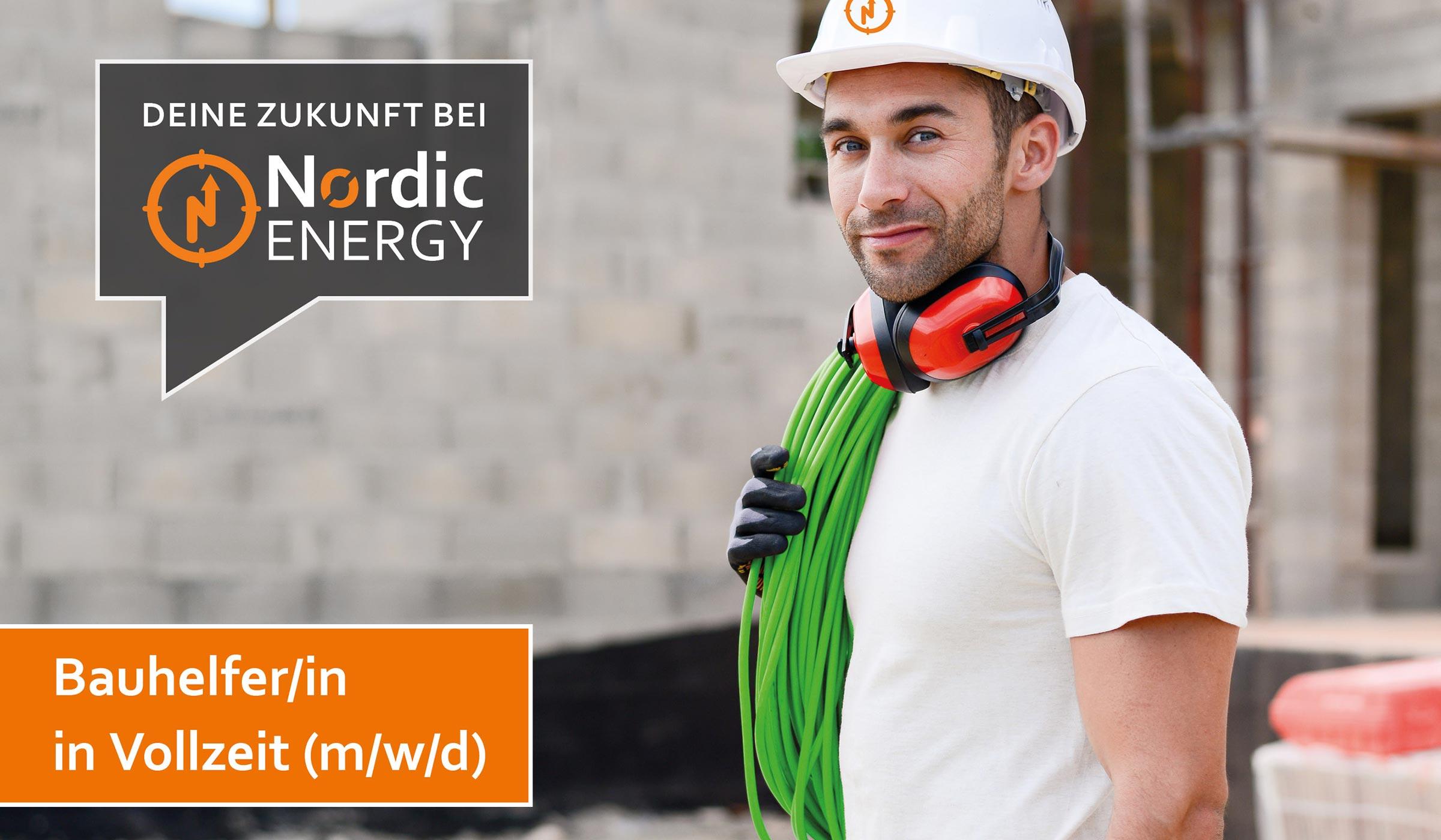 Der Bauhelfer von Nordic Energy mit Helm, Gehörschutz, Schutzhandschuh und einem Kabel auf der Schulter